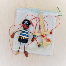 Maguetes Woodtoys - Marioneta Pirata de madera