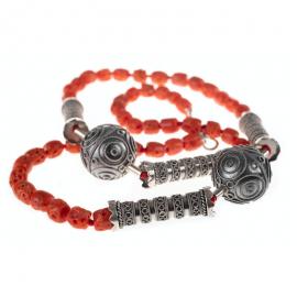 FiligranaGallery - Collar Vintage de cuentas La Alberca. Compuesto por cuentas de plata 925 y coral rojo natural.