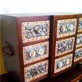 Artesanía Mori - Reproducción de Bargueño en madera de nogal