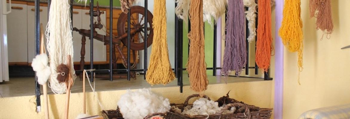 Cursos de tejido, hilado de lana, tintes y diseño textil