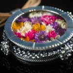 15 - El Jardín - Plata 925, cristal flores secas y cuero